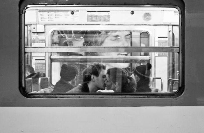 Pocałunek za szybą